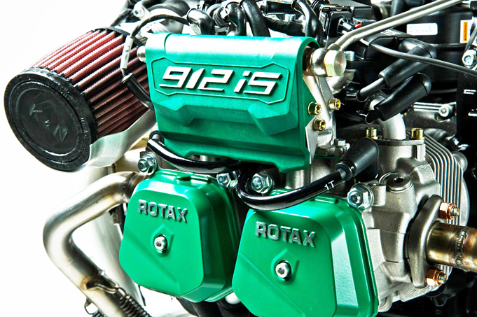 Rotax 912 iS Engine