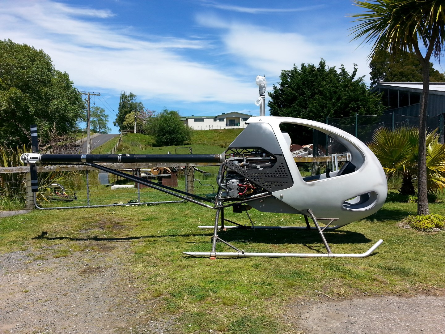 <h5>BlowFly Subaru helicopter side view </h5><p>BlowFly Subaru helicopter side view in the beautiful New Zealand sun</p>