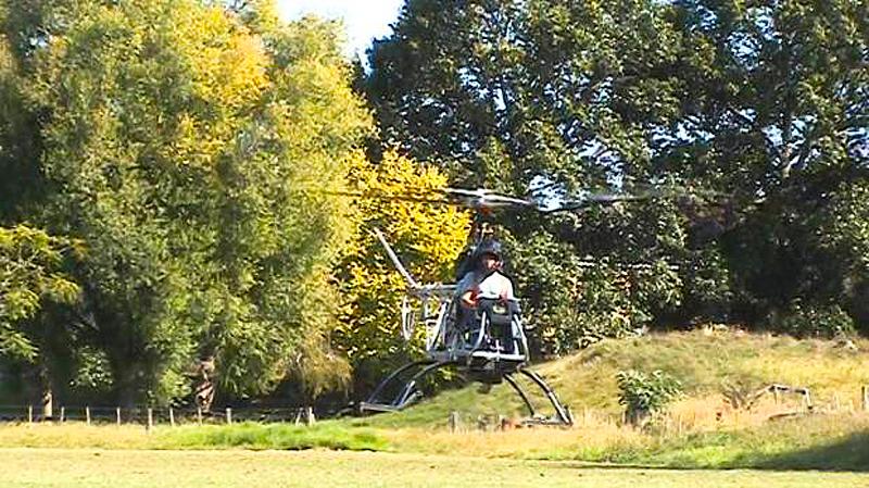 Cameron Carter hovering homebuilt helicopter