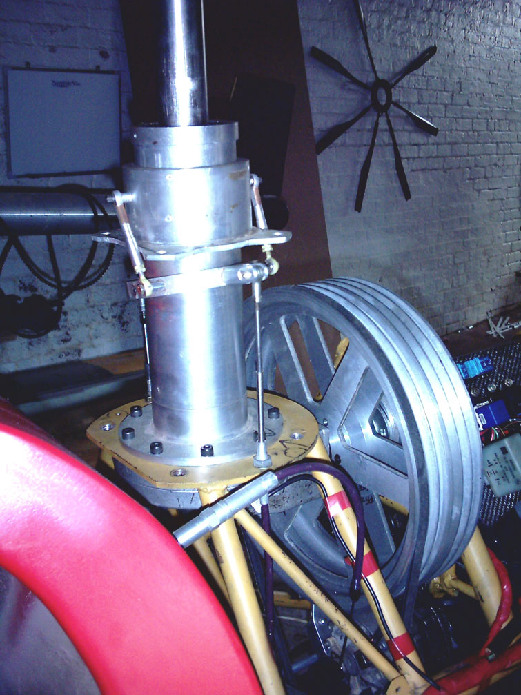 BUG helicopter main drive pulley and main rotor gearbox