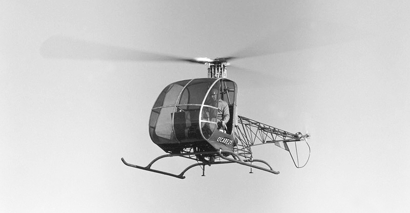 Augusto Cicare CH2 helicopter hovering