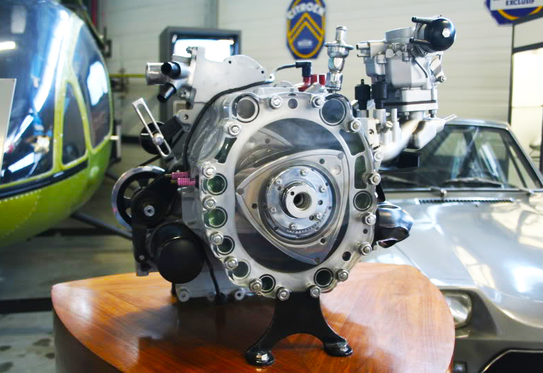 Rotary wankel helicopter engine block