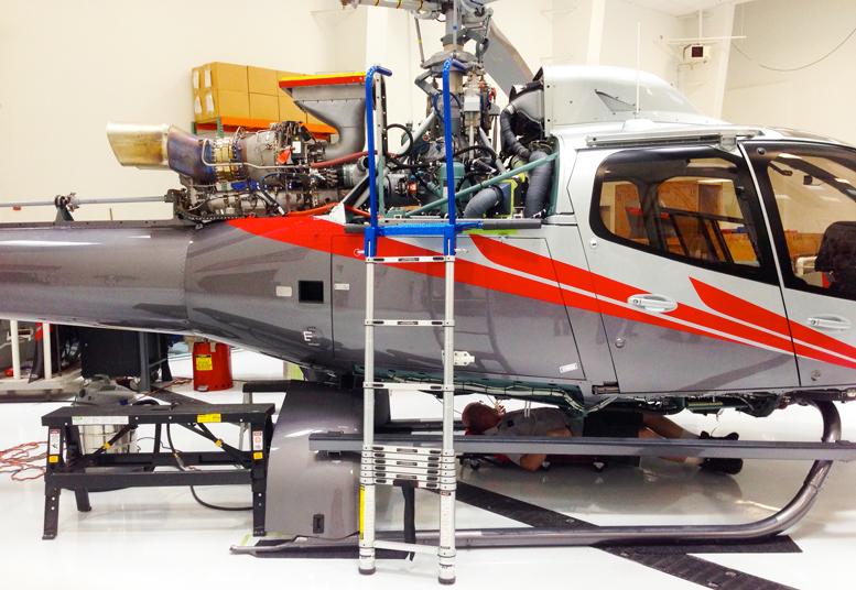 Turbine or piston helicopter