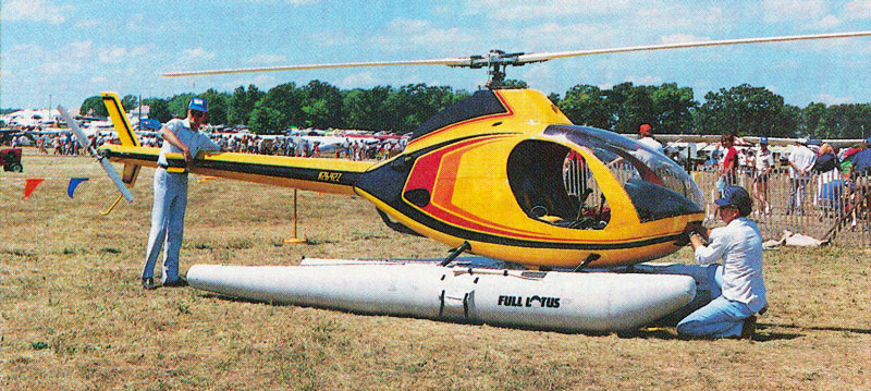 Rotorway Exec helicopter with floats