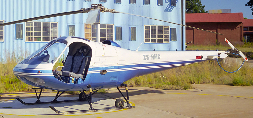 Smooth flying Enstrom helicopter