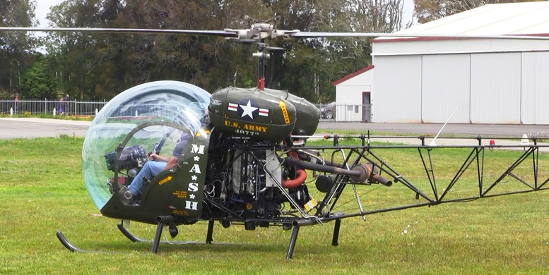Bell 47 G army helicopter