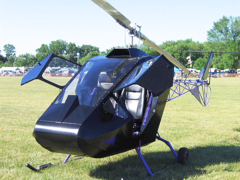 Later Safari helicopter Cobra helicopter