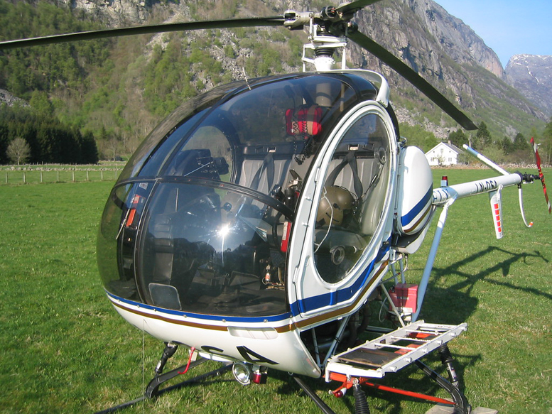 hughes 300 helicopter